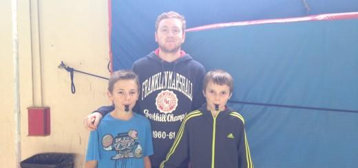 Tanguy et Rémi, jeunes arbitres en formation (11 ans), encadré par Pierre-Louis (arbitres officiel Feurs-Rozier)